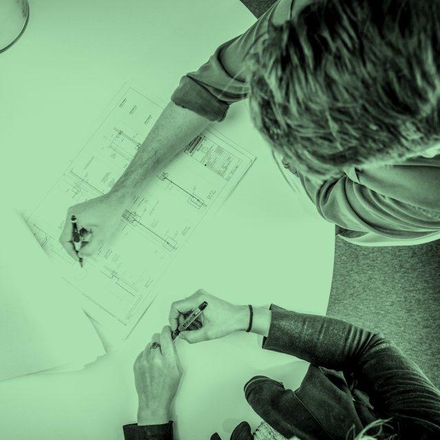 Två medarbetare i designprocess