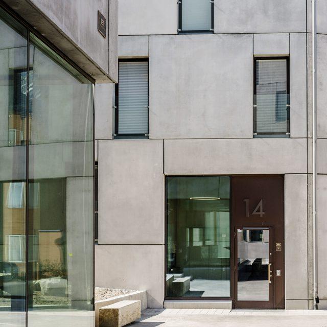 KTH exteriör detaljer dörrar och fönster